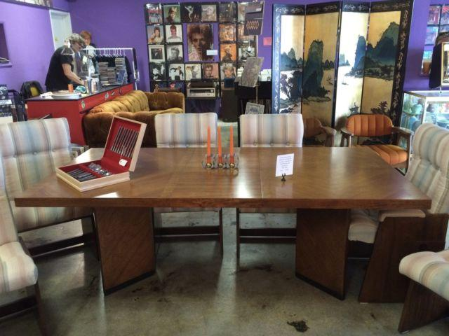 1960s MID-CENTURY WALNUT DINING TABLE WTWO LEAVES, SIX CHAIRS