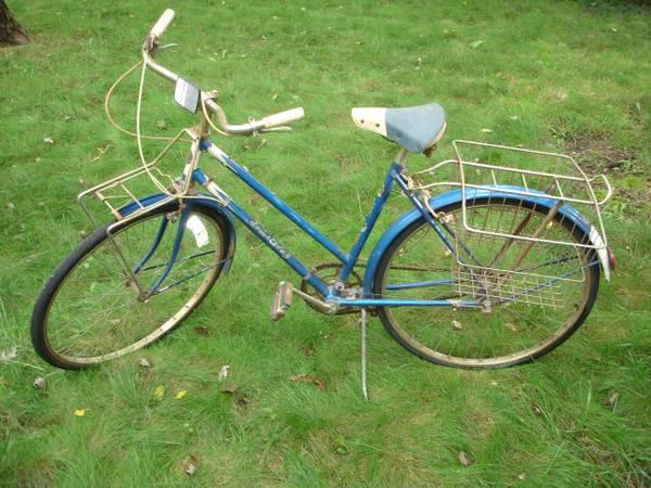 1962 Armstrong Vintage Bicycle Made In England With Rack
