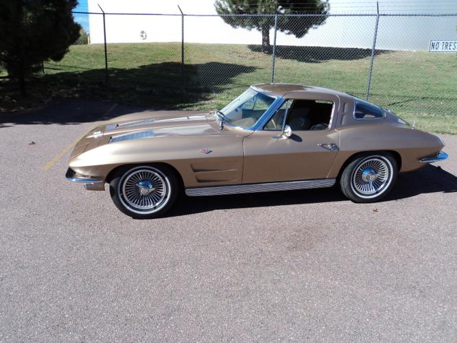 1963 Chevrolet Corvette Split Window Coupe Original 300