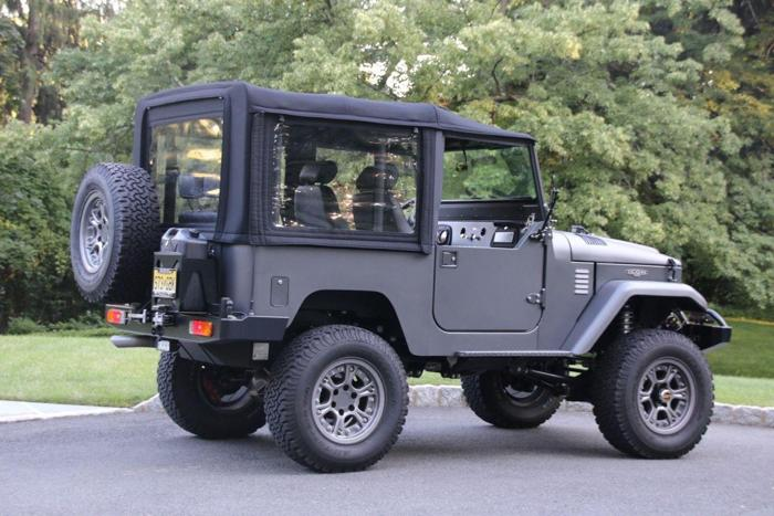 1965 Toyota Land Cruiser FJ40 ICON