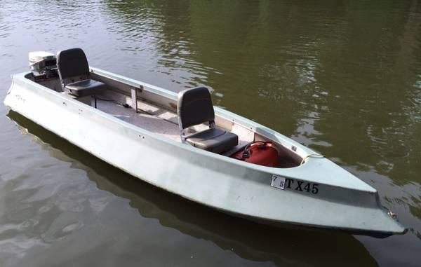 1968 SUPER SKEETER w/ 15hp Johnson Outboard - $1350