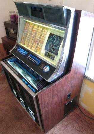 1970 ROCK-OLA 445 JUKEBOX - $600