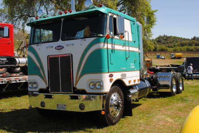 1971 352 PETERBILT 350 Cummins 13 Speed Factory Air ride Long WB