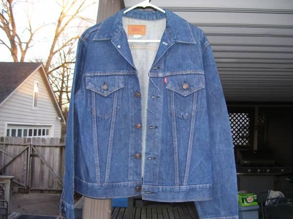 1971 Levis Red label denim jacket 40 Reg. - $80