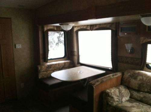 1972 fifth wheel camper, 24' long, good shape, needs