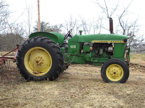 1972 john deere farm tractor 1010 - $4000 (pulaski, va)