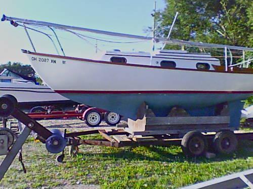 1972 Venture 24 sailboat, trailer,12 9 electric start outboard motor