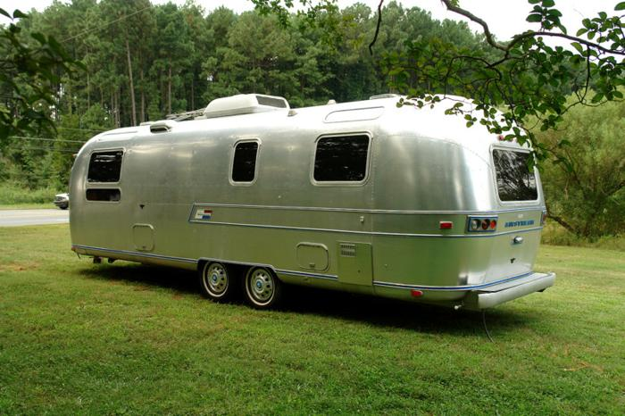 1973 29ft AIRSTREAM AMBASSADOR Travel Trailer