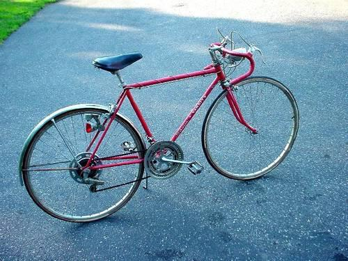 1973 VINTAGE SCHWINN VARSITY 10 SPEED BICYCLE Serial number LJ569987