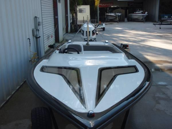 1974 HAND CRAFTED SPEED BOAT - $7900