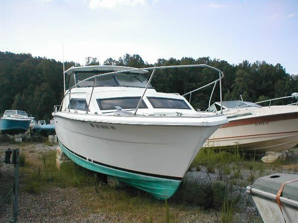 1975 Trojan Boats F26 Express Cruiser