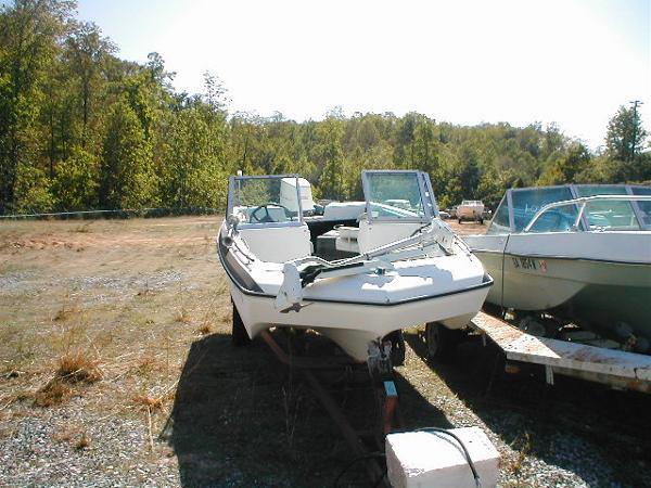 1977 invader 160 capri outboard bowrider 1977 fishing for Bowrider boats with outboard motors