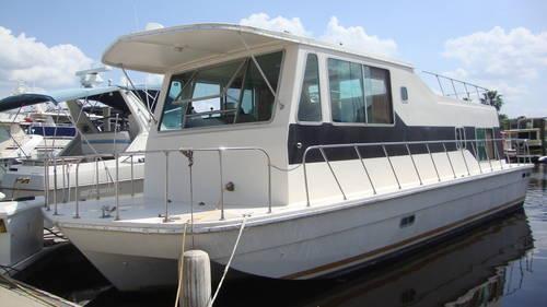 1978 Burnscraft Houseboat 38 ft all Fiberglass