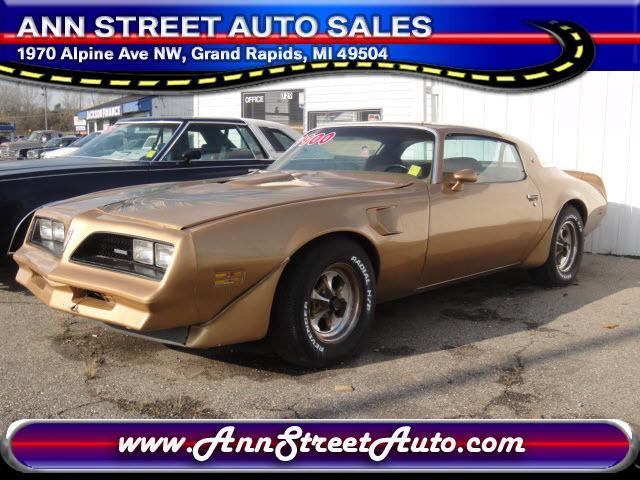1978 pontiac 1978 classic car in grand rapids mi 4365275271 used cars on oodle classifieds. Black Bedroom Furniture Sets. Home Design Ideas