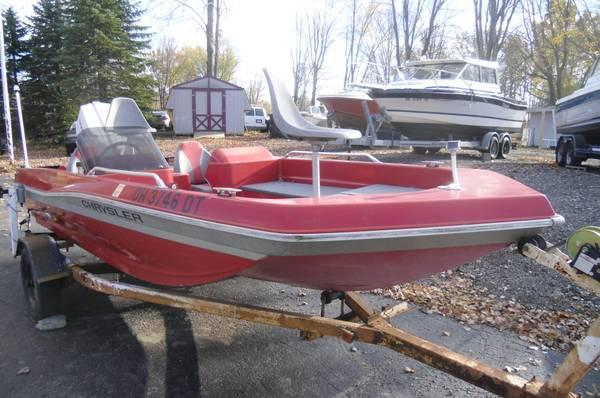 1979 chrysler bass boat ready for fishing fun for Fishing boats for sale in ohio