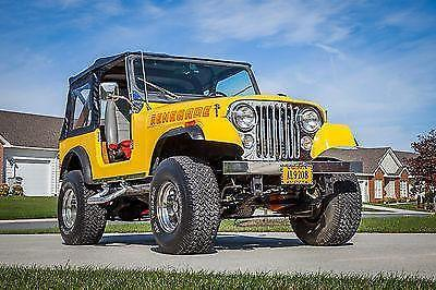 1979 Jeep CJ7 with 1990s Fiberglass Body