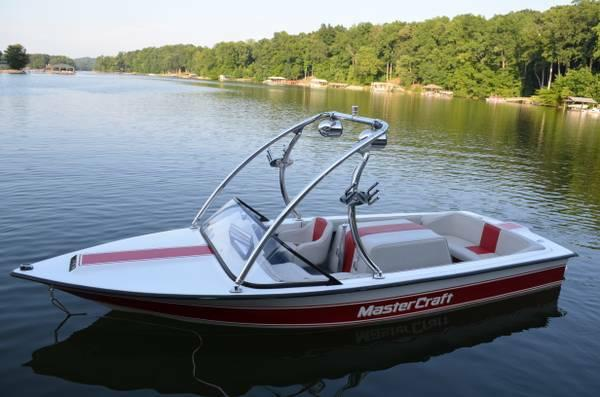 1979 Mastercraft Stars and Stripes. Fully Restored w/