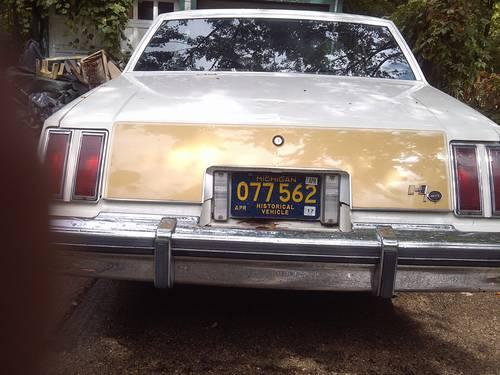 1980 cutlass 79 hurst olds clone 455 posi 700r4 white and gold for sale in lansing michigan. Black Bedroom Furniture Sets. Home Design Ideas