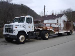 1980 International Single Axle Tractor & Trailer - (Flat ...