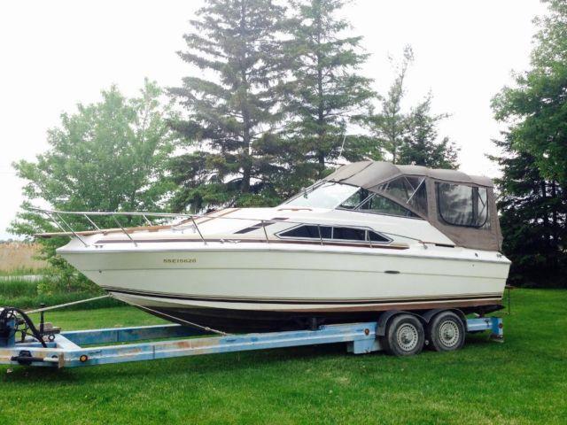 1980 SeaRay Sundancer 260 (Boat Located in Windsor, Ontario)