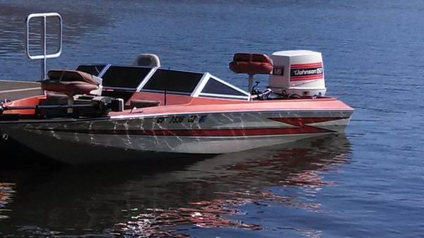 1981 18ft hydro sport fish ski bass boat for sale in for Fish and ski boats for sale