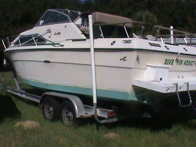1981 Sea Ray Boat 24' 7