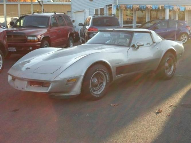 1982 chevrolet corvette for sale in salem oregon classified. Black Bedroom Furniture Sets. Home Design Ideas