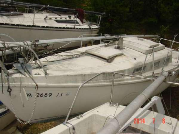 1982 Luger 26 Tradewinds Swing Keel Cruiser For Sale In