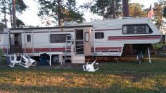 1983 Coachman 5th Wheeler 35' Good Condition $3,500