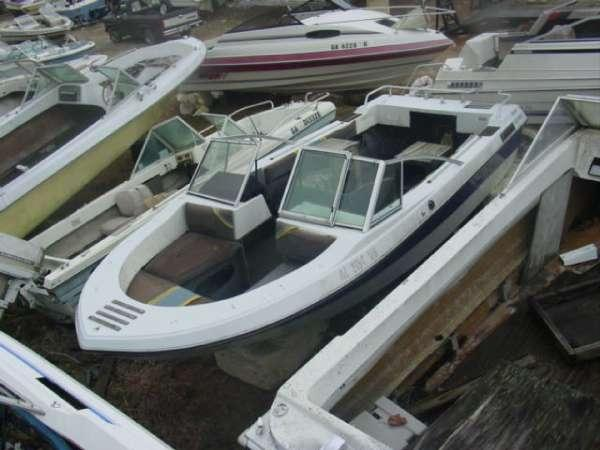 1983 Glassmaster 18 Supreme Bowrider Mercruiser Cut For