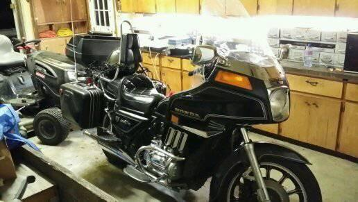 1983 Honda Goldwing 2400.00