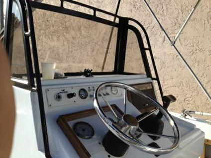 1983 Mako 22'6 CC with a 2000 Evinrude 225 Ram Injection 2-Stroke