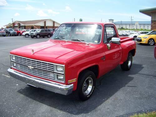 1984 Chevrolet Silverado Stepside - 350 w/extras - Red