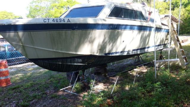 1984 Chris-Craft 253 Catalina Cruiser