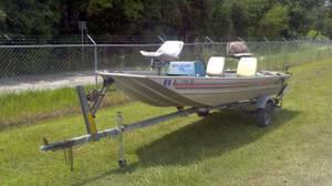 1984 LOWE 16 FT ALUMINUM BASS BOAT WITH TRAILER - $800