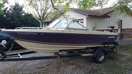 1985 4Winns boat with 90hp evinrude outboard motor