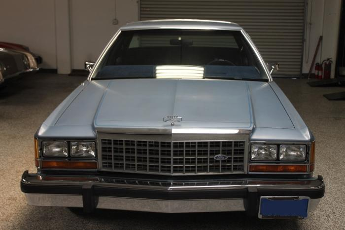1985 Ford Crown Victoria 14500 For Sale In Crystal Lake