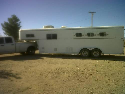 1985 trails west horse trailer with living quarters for