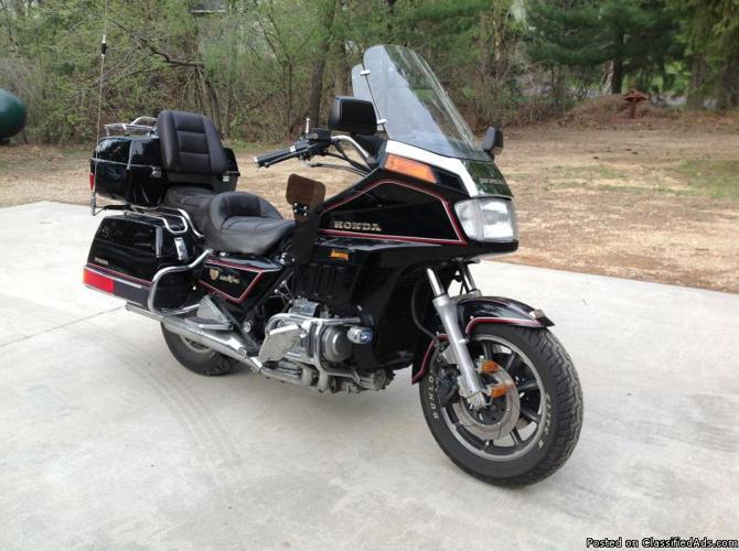 1986 honda goldwing 1200 1986 motorcycle in menomonie wi. Black Bedroom Furniture Sets. Home Design Ideas