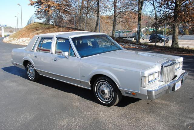 1986 lincoln town car for sale in knoxville tennessee classified. Black Bedroom Furniture Sets. Home Design Ideas