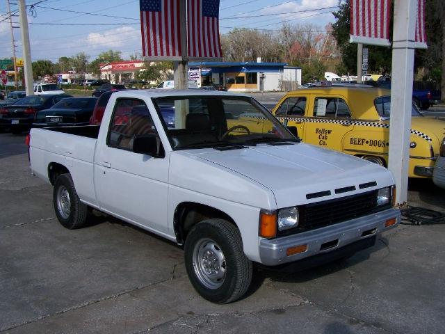 1986 Nissan Pickup for Sale in Leesburg, Florida Clified ...