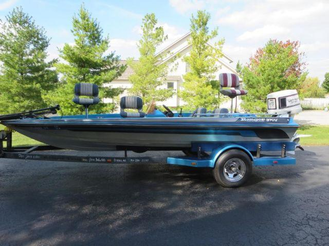 1986 Ranger Bass Boat 370V Comanche with Johnson GT150