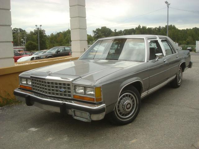 1987 Ford LTD Crown Victoria S