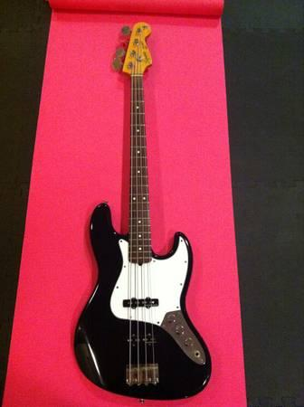 1987 Squier Jazz Bass: Made in Japan