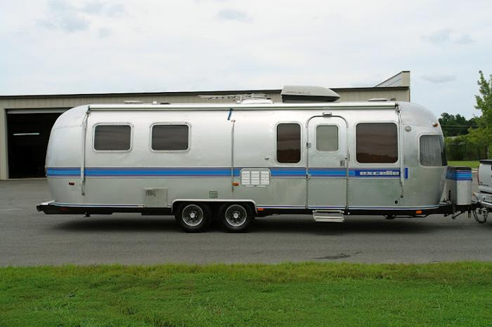1988 29ft AIRSTREAM Excella Travel Trailer