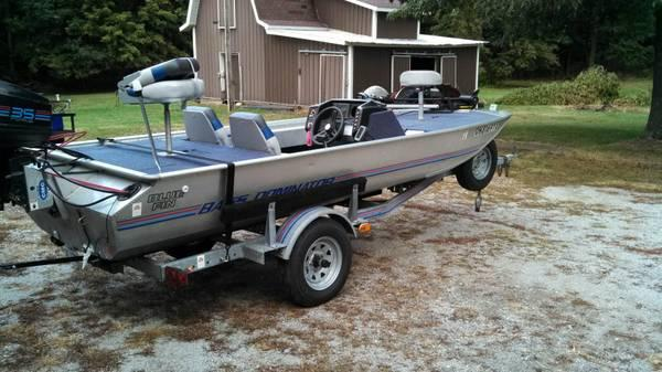 1988 Blue Fin Bass Boat Want This Sold For Sale In