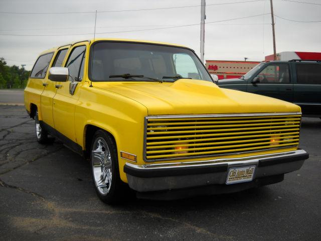 1988 chevrolet suburban for sale in south bend indiana classified. Black Bedroom Furniture Sets. Home Design Ideas