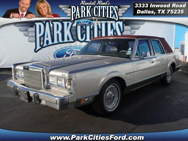 1988 lincoln town car signature 1988 lincoln town car signature car for sale in dallas tx. Black Bedroom Furniture Sets. Home Design Ideas