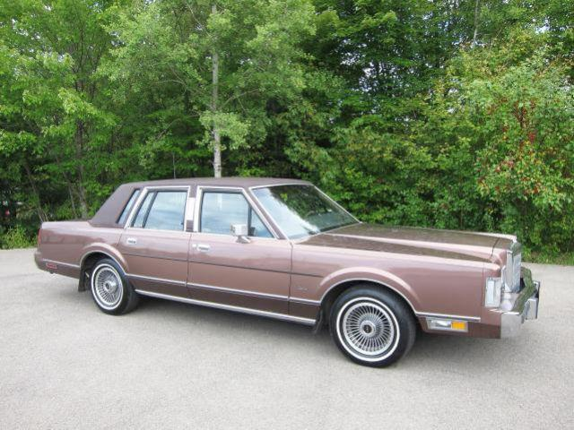 1988 lincoln town car for sale in seneca pennsylvania classified. Black Bedroom Furniture Sets. Home Design Ideas