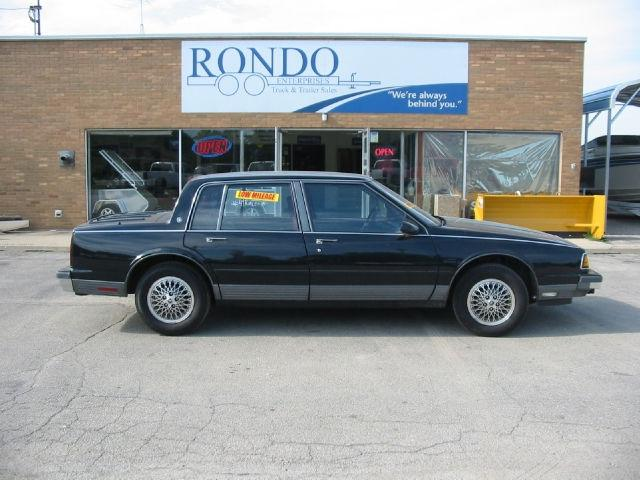 1988 Oldsmobile Ninety-Eight Touring Sedan